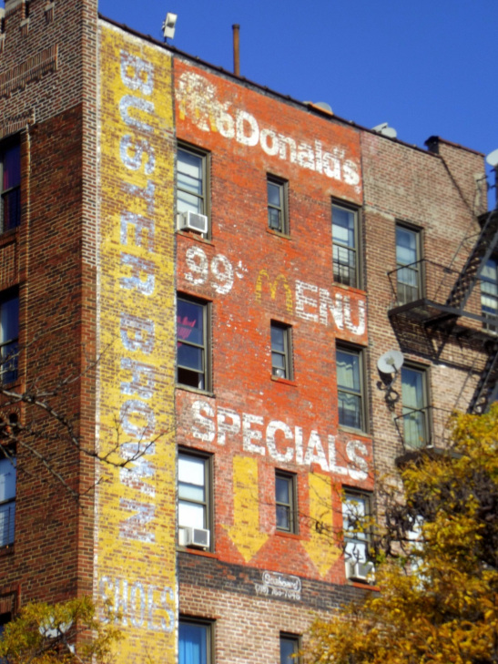queens-ghost-sign-1
